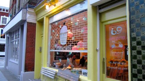 primrose bakery storefront in primrose hill